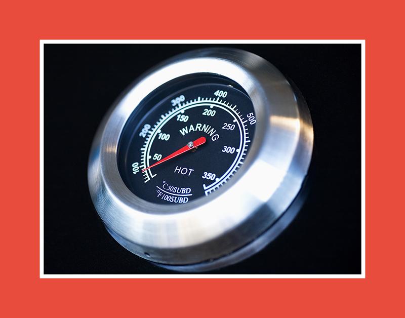 Vorsicht Temperaturänderung! Das Warnung – Saunathermometer